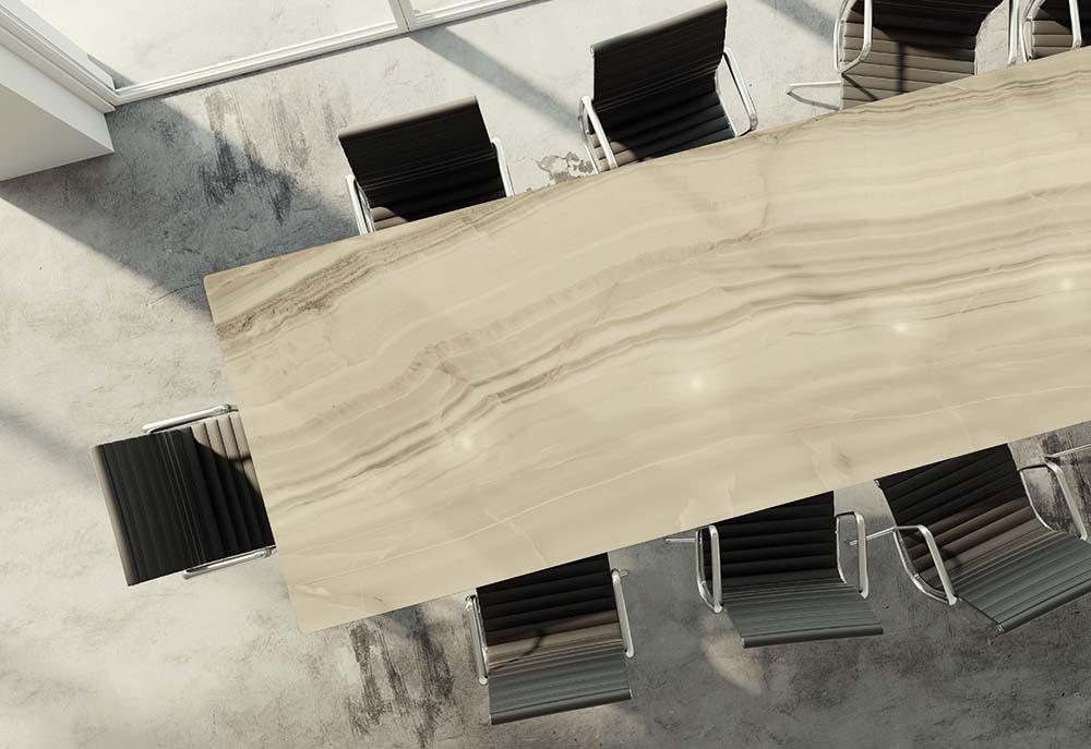 τραπέζι κεραμικό πλακάκι